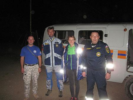Крымские cотрудники экстренных служб оказали помощь троим туристкам