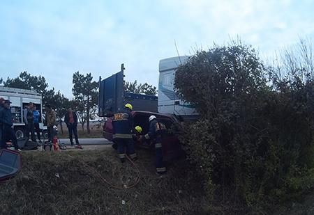 Накрымской трассе тягач зажал влегковушке женщину