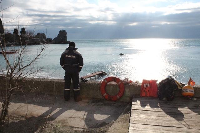 Спасатели в Крыму дежурят в местах массовых крещенских купаний